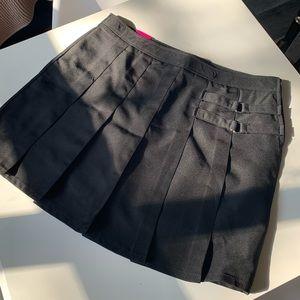 bnwt black pleated mini skirt / skort - size 14 XL